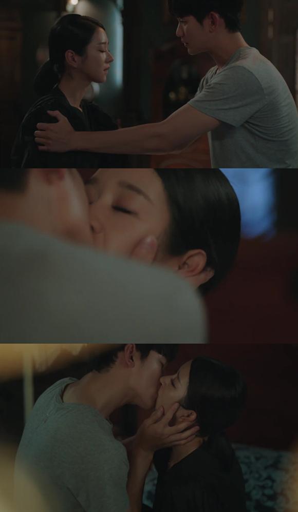 金秀贤吻戏超绝苏炸网友 《虽然是精神病但没关系》高甜来袭!